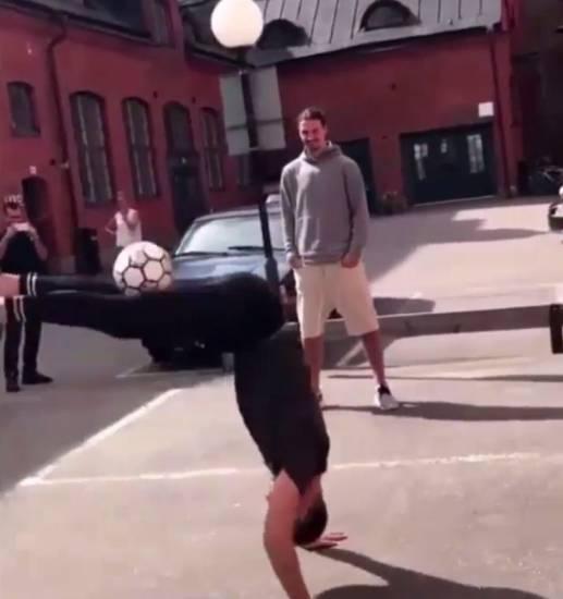 Zlatan Ibrahimovic sfida un freestyler, ma il risultato è disastroso